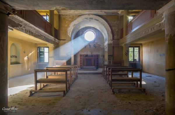 chapel urbex italy red cross 1024x671 Redcross, Italy