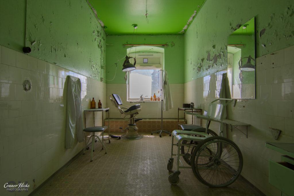 doctors room norway urbex 1024x683 Jokers Asylum, Norway