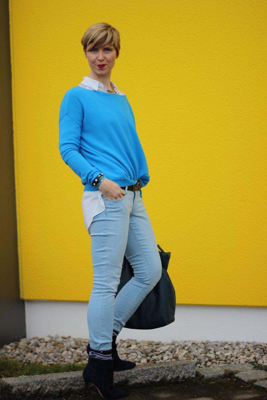 IMG_8321a_Blau_Blue_Schumacher_OldNavy_Pulli_Jeans_Booties_XXLSchal_