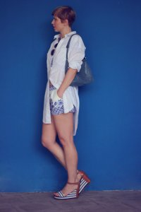 IMG_9611a_Zweiteiler_shorts_blusenkleid_H&M_Blue_Blau_AHemadundaHos_40+style_Fashionoverforty