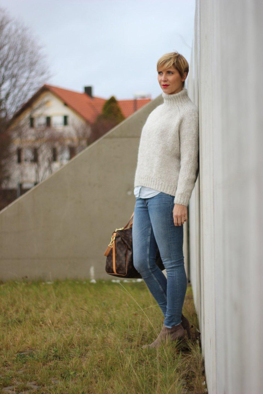 IMG_8919a_Zara_Rollkragen_casual_Jeans_Only_ConnyDoll_AHemadundahos_KennelundSchmenger_Boots_Marcopolo_Bluse