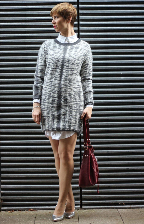 IMG_0683a_AllSaints_Strickkleid_grau_weiss_MetallicHeels_ConnyDoll_AHemadundahos_Fashionblog_