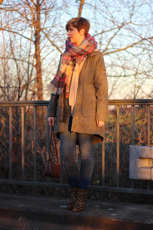 IMG_9550a_Leoboots_Schluppenpulli_HighwaistJeans_Zara_Parka_OversizedScarf