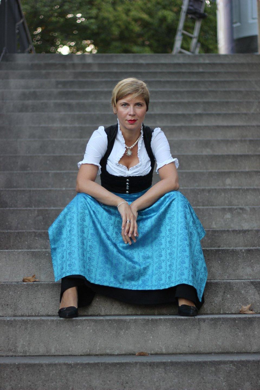 Dirndlschürze, Dirndl, Trachtenmanufaktur, München, Wiesn2016, Oktoberfest, Conny, Doll, Hackerbrücke, Sonnenaufgang