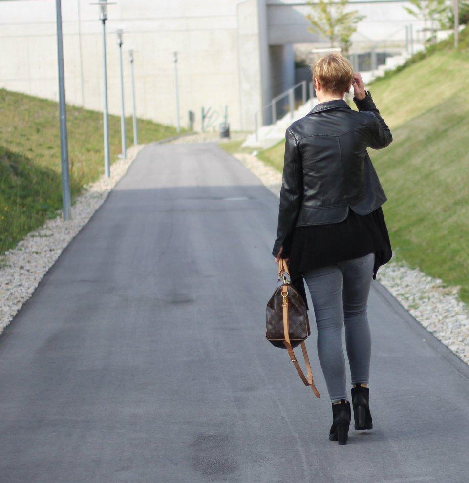 Speedy40, Louis Vuitton, beige, grau, felminiboots, Lederjacke, Cardigan, Conny Doll