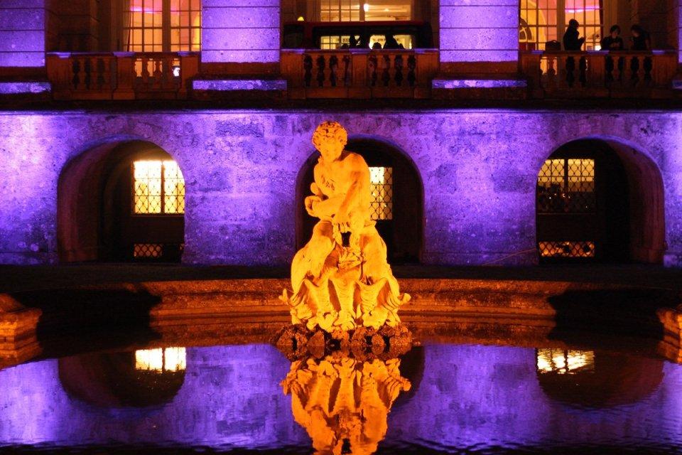 Casino, Salzburg, Conny Doll, Abendkleid, Casinorestaurant, Dinner, Schloss Kleßheim, Brunnen