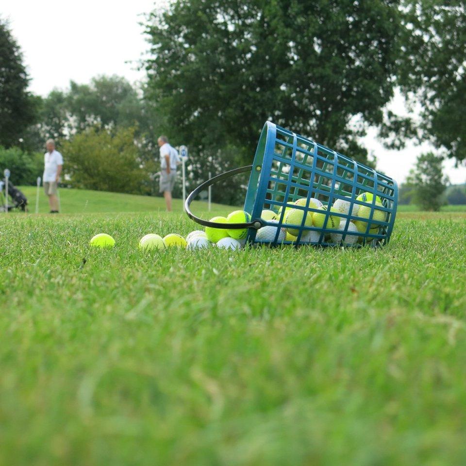 Golfclub Sagmühle, Conny Doll spielt Golf, Übungsbälle, Drivingrange