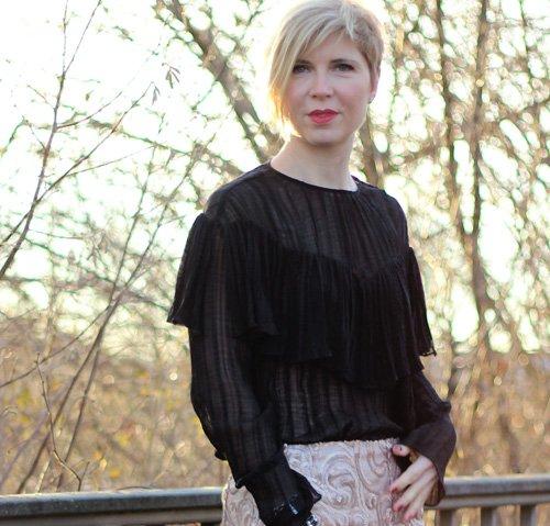 Bleistiftrock, transparente Bluse, festlicher Look, elegant, pumps, shapeware, Zauberwäsche für Drunter,