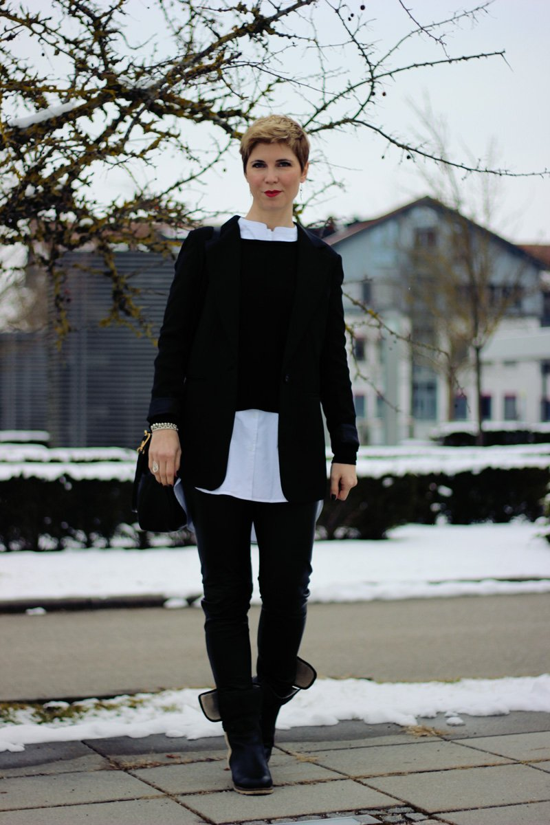 Conny Doll Lifestyle: Verheiratet vs. Single, schwarz-weiß, black and white, 40plus Bloggerin, Blazer, Lederhose, Winterlook
