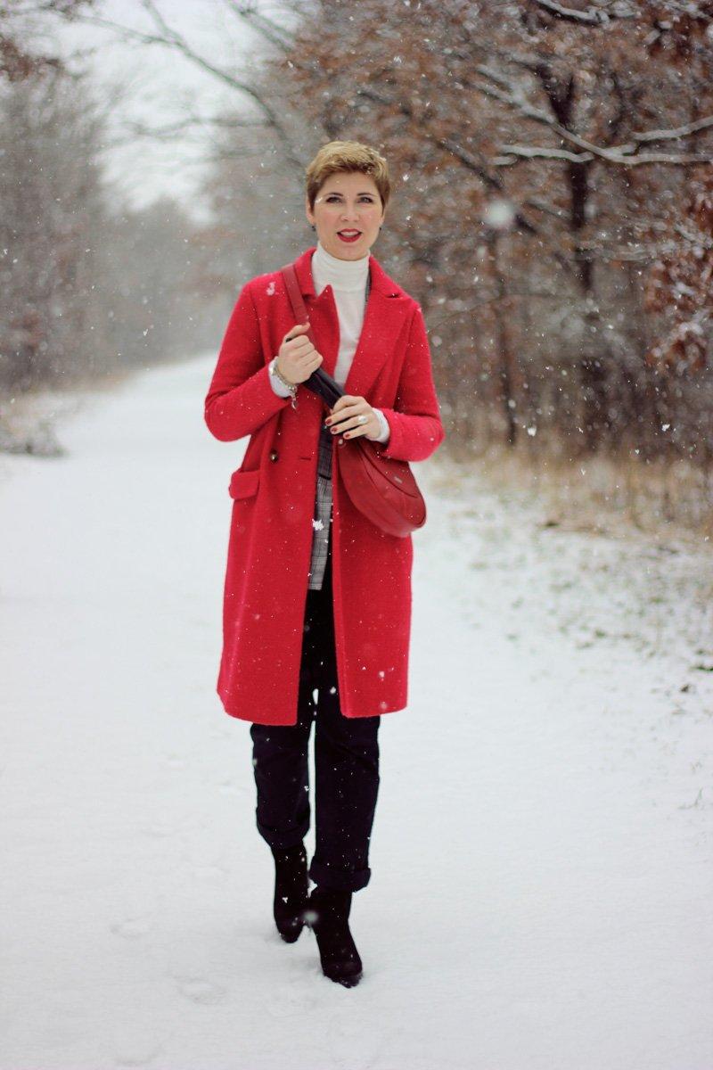 Conny Doll Lifestyle: Kleiderauswahl, Statussymbol, Glenckeck Blazer, schwarz-weiß, grau, rote Hingucker