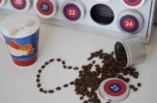 Conny Doll Lifestyle: Ich bitte zum Adventskaffee - 24 feine Bohnen - Adventskalender von Tres Cabezas Adventskaffeekalender