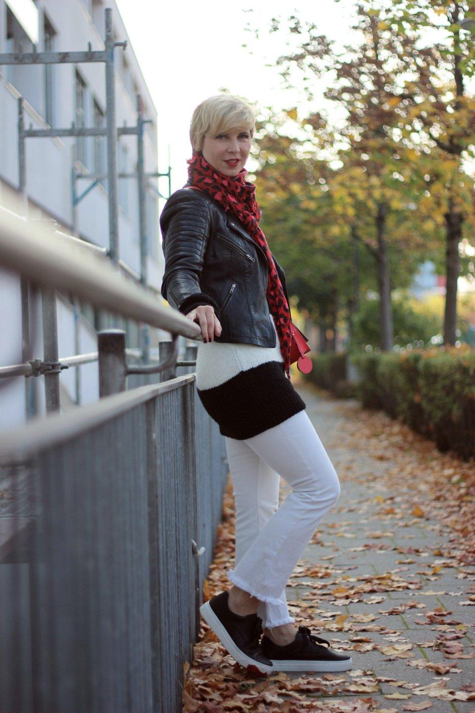 conny doll lifestyle: Die dunkle Seite der Macht - schwarz-weiß und adieu Schuhe ohne Socken, casual, weiss-schwarz, Streifen, 10days