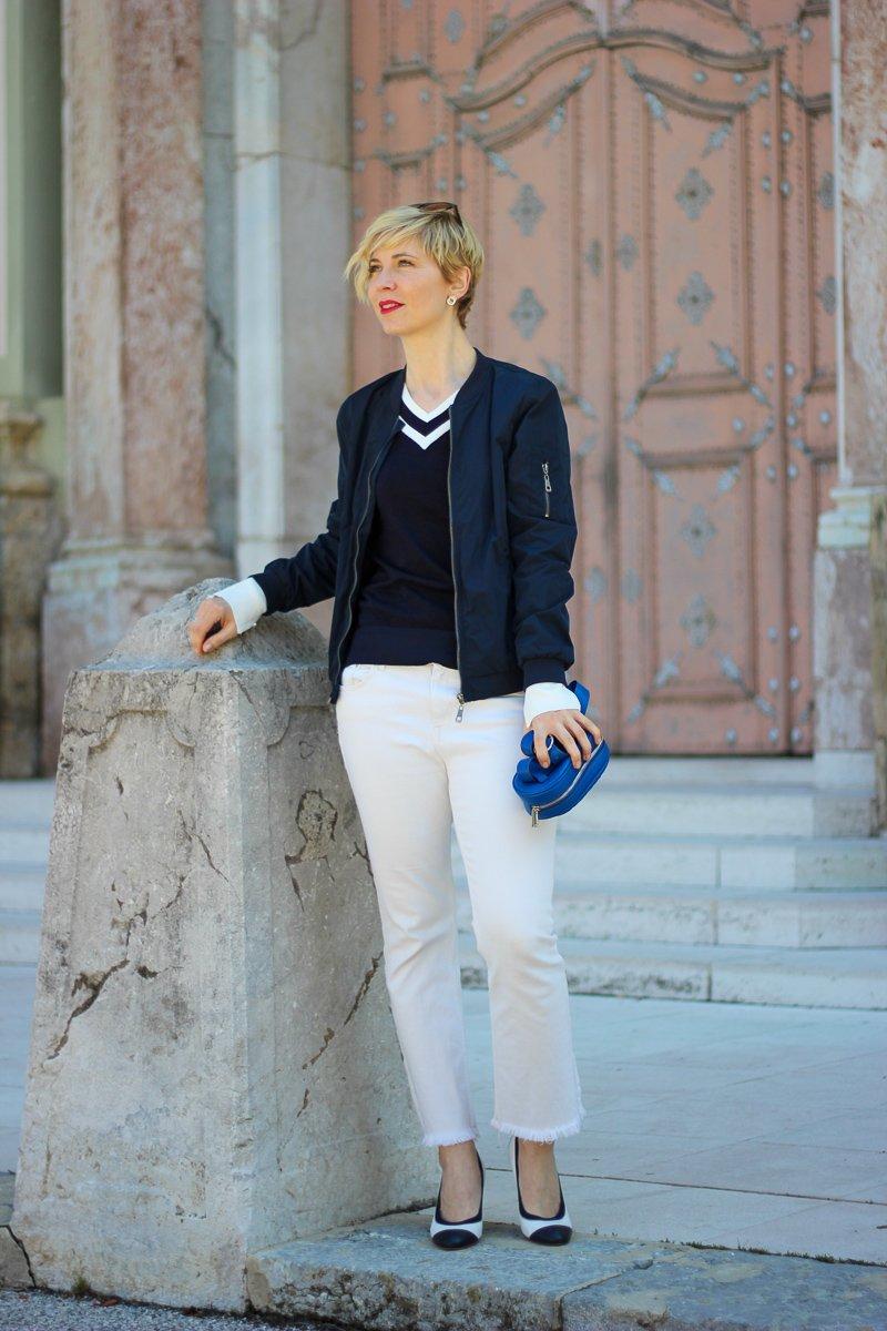 conny doll lifestyle: Welche Größe trage ich - ein casual Office Look in blau-weiß