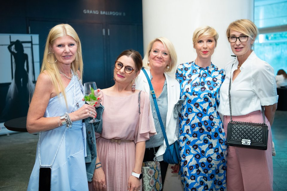 conny doll lifestyle: tena fashionshow, fashionweek berlin, grand hyatt, bloggerinnen,
