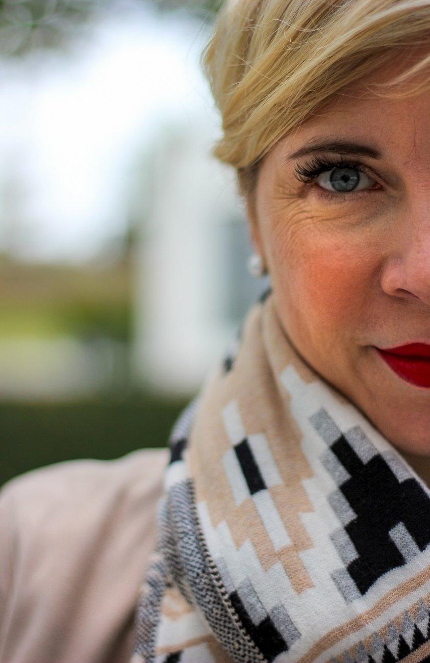 conny doll lifestyle: Ein Blogbeitrag für der Filterblase und ein Herbstlook mit Karo