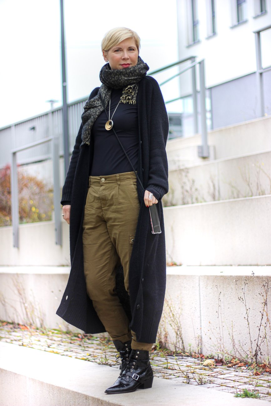 conny doll lifestyle: utilitystyle lässig mit long cardigan,