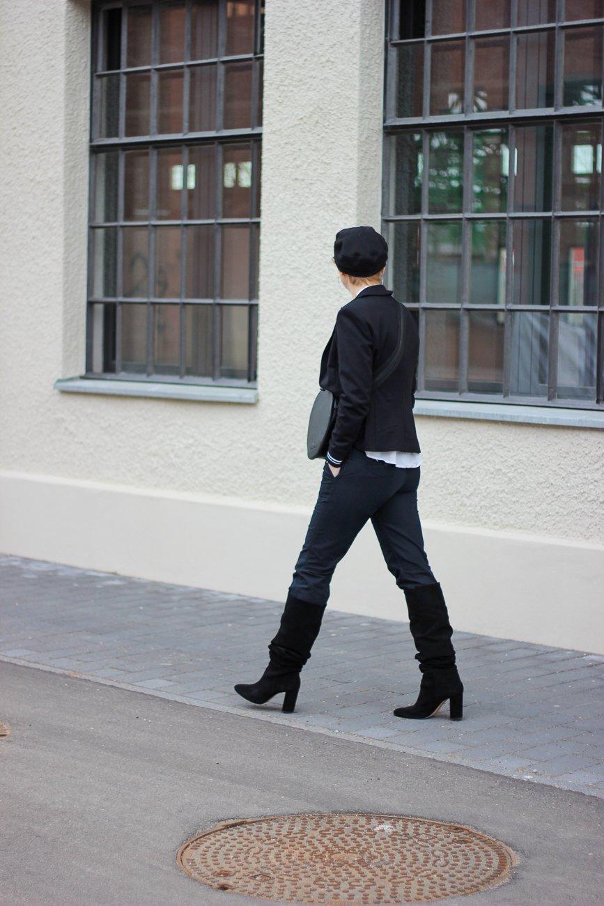conny doll lifestyle: schwarz-weiß, Frauen, Weltfrauentag, Stiefel, Outfitinspiration