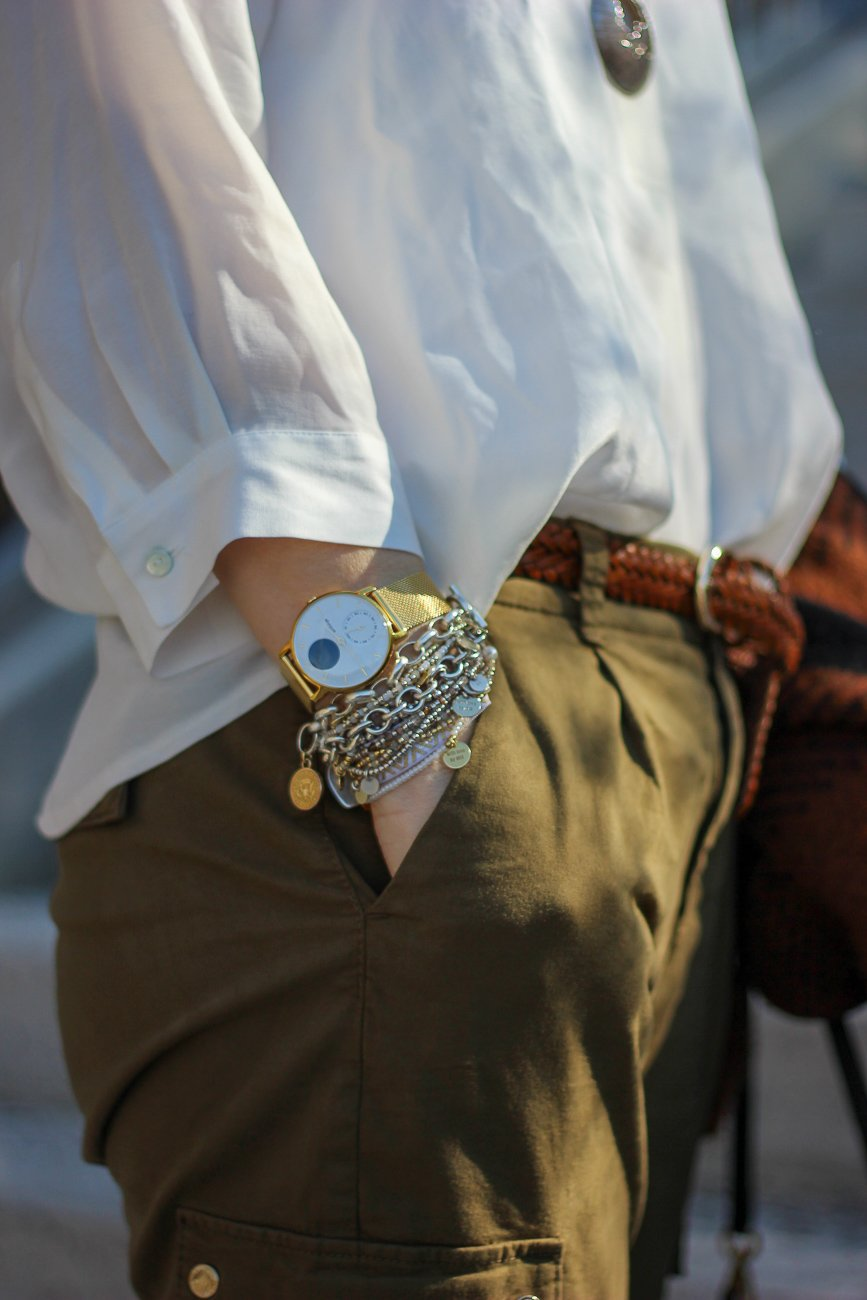 conny doll lifestyle: Details, Cargohose, weiße Bluse, Schmuck, Armbänder, Handmade with love by Iris, Dagmar Runte, Withings Uhr