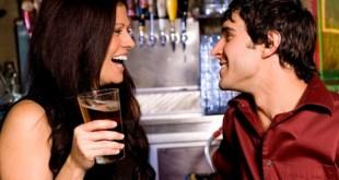 Consejos para hombre para ligar en un bar