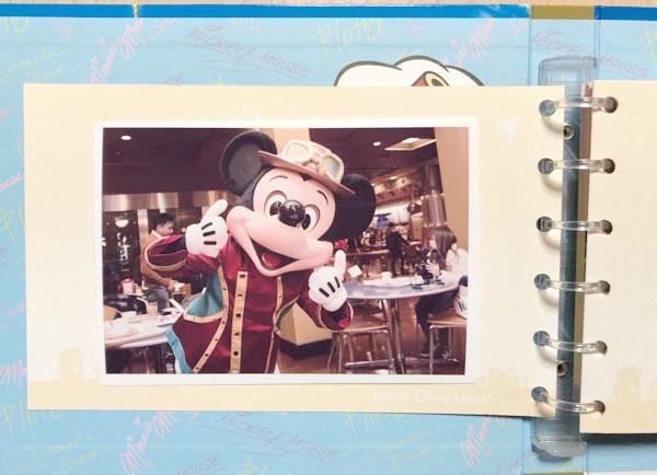 カード型サイン帳のミッキーの写真