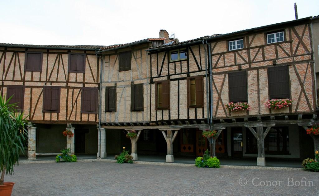 Lautrec market square