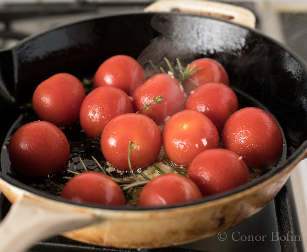 Tomato and feta skillet bake