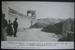 Eruzione del Vesuvio del 1906, la lava al cimitero di Torre Annunziata