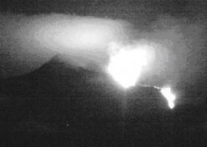 foto 2, Etna: ripresa dalla telecamera ad alta definizione a Monte Cagliato EMCH