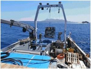 Fig. 1 Fase di acquisizione dati nel Golfo di Napoli a bordo della nave oceanografica 'Urania' del CNR