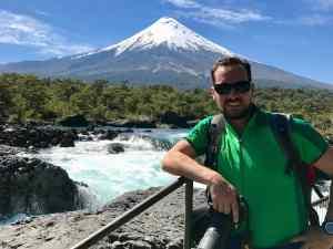 Il prof. Marco Viccaro, coordinatore del gruppo di ricerca, presso il vulcano Osorno in Cile