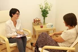 Psicoterapia con un psicólogo o coach es lo mejor
