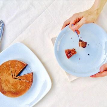 Tiramisú con mousse de chocolate y crema