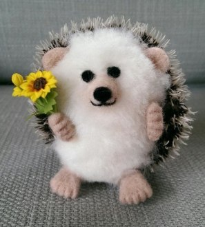 Needlefelt Sunflower Hedgehog - Conscious Crafties