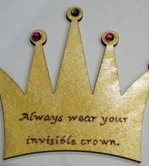 'Invisible crown' fridge magnet