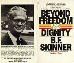 Skinner met zijn boek in 1971