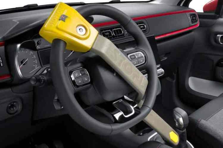 Canne antivol de voiture: Avantages et conseils pratiques