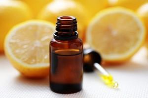 L'huile essentielle de citron aide à la digestion