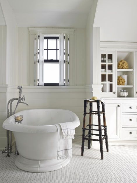 salle-de-bain-blanc-retro