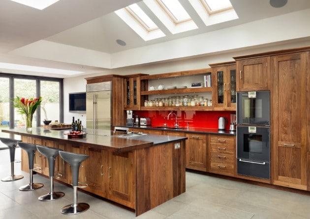 cuisine-en-bois-moderne-avec-bar