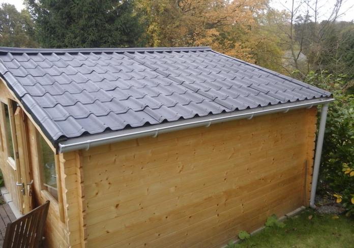 isoler la toiture d'un abri de jardin
