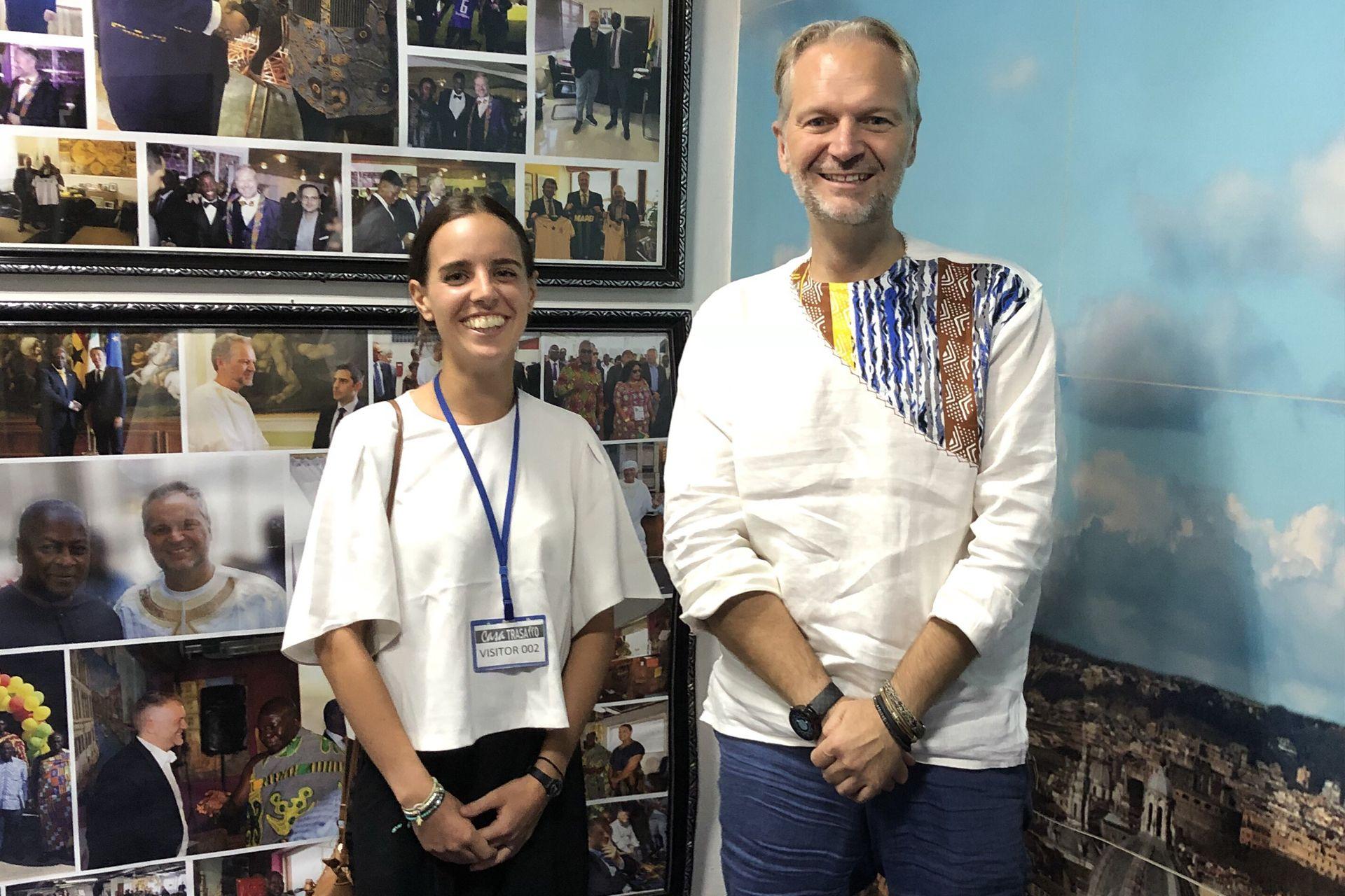 Console Taricone con Alessia Pacini in Ghana