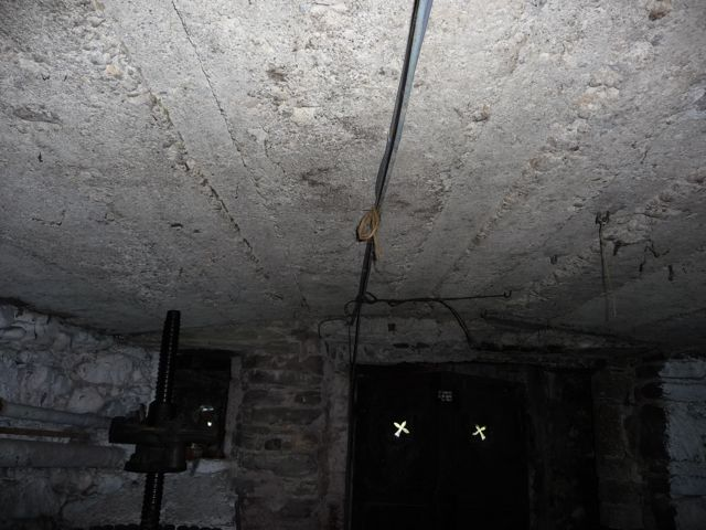 Comment isoler le plafond dune cave dun soussol ou dun garage  Consommer Durable