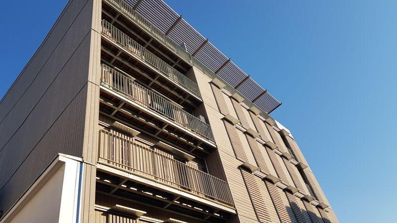 Montreuil Immeuble Social Et Symbole De Consommation