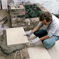 Patio: Laying Patio Slabs