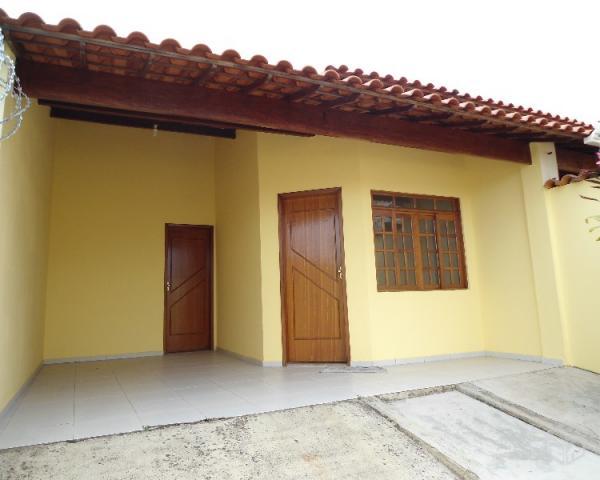 Casas Construdas em Meio Lote  Terreno e Projeto