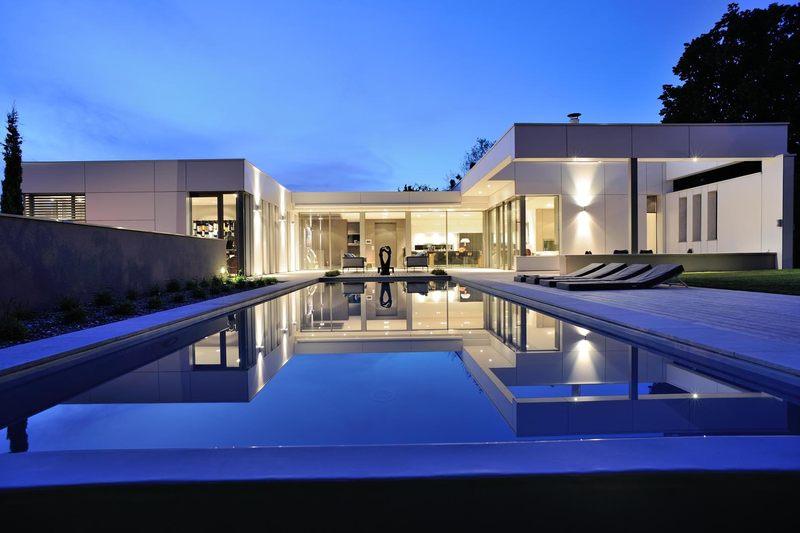 S Tres Jolie Villa Contemporaine En U Et Sa Piscine En Point Dorgue