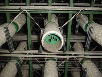 bobbin creel carpet weaving machine