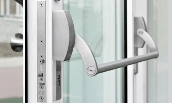 Cerradura antipnico dos hojas IQ Lock M DL  Construmtica