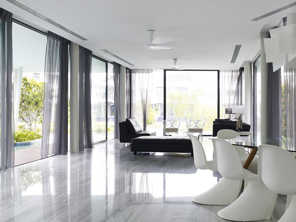 Diseo de moderna casa de dos pisos con azotea jardn