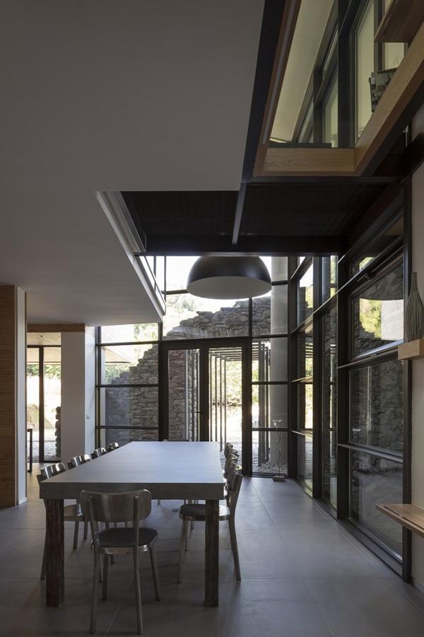 Diseo de casa moderna en la montaa fachada piedra